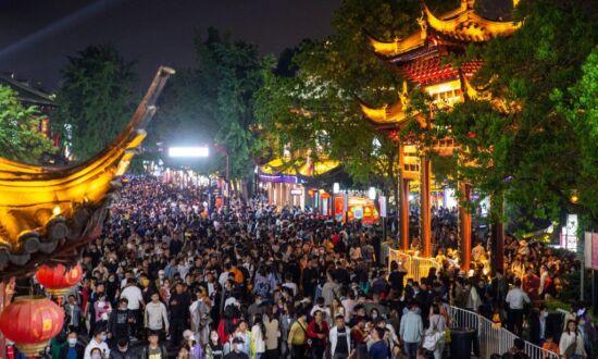 Chinese Media and Authorities Change Tone Over CCP Virus Around Holiday Season