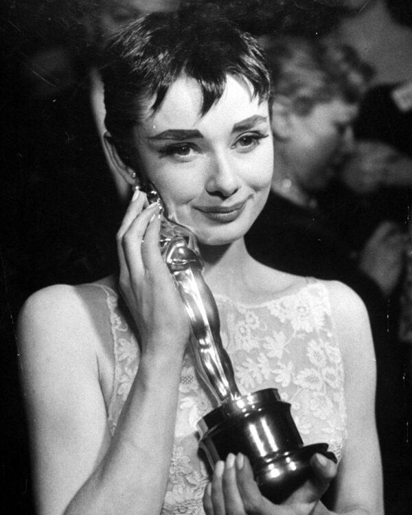 Hepburn_Oscar_Promo_1954