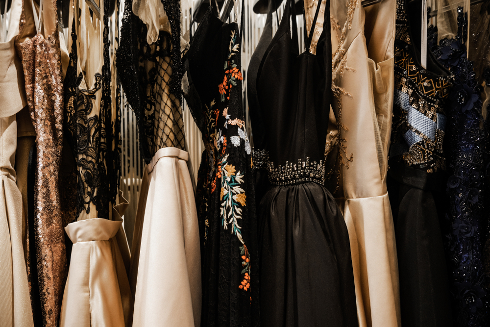 Luxurious,Evening,Night,Out,Sparkling,Dresses,Hanging,On,The,Rack.