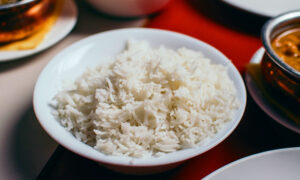 Microplastic Warning: Experts Recommend Washing Rice to Avoid Eating Plastic