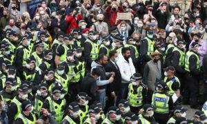 Scottish Police Release Men From Immigration Enforcement Van Following Protest