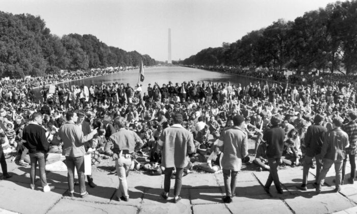 Demonstrators gather around the Washington Monument in Washington, D.C. to protest against the Vietnam War, on Oct. 21, 1967. (Archive Photos/Getty Images)