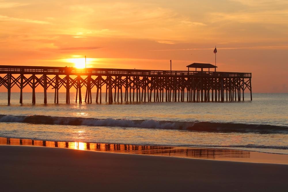 Cloudy,Sunrise,Over,Atlantic,Ocean.,Beautiful,Marine,Landscape,With,Sun