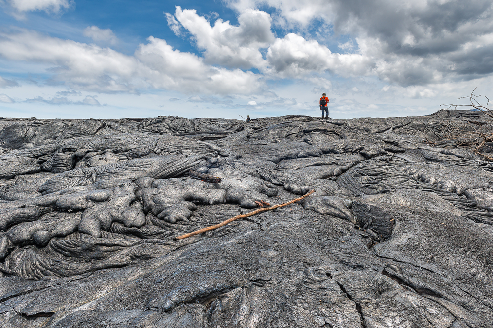Hiking,On,Extremely,Hot,Lava,Bed.,Adventure,Activity,In,Hawaii