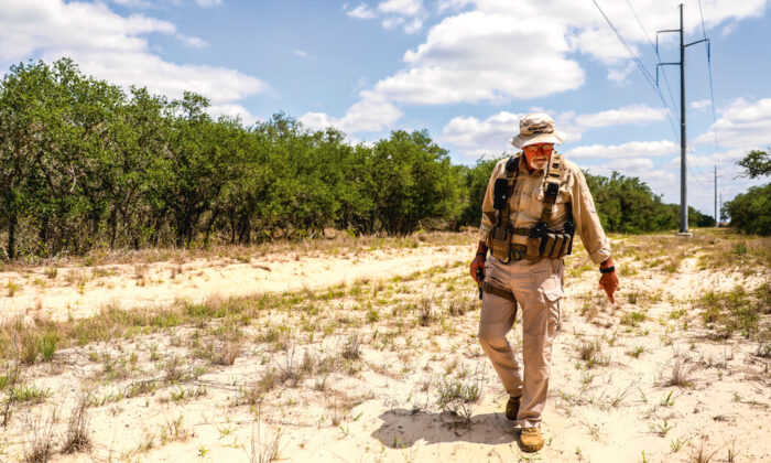 Sheriff's search and recovery deputy Don White explains how he searches for the dead bodies of illegal immigrants, in Brooks County, Texas, on May 13, 2021. (Charlotte Cuthbertson/The Epoch Times)