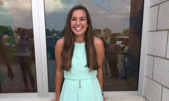 Mollie Tibbetts poses for a picture during homecoming festivities at BGM High School in her hometown of Brooklyn, Iowa, in September 2016. (Kim Calderwood via AP)