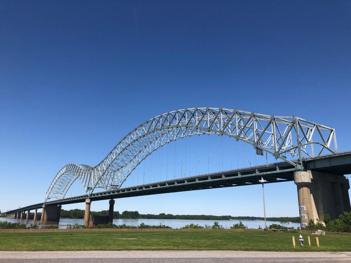 US--Interstate 40 Bridge