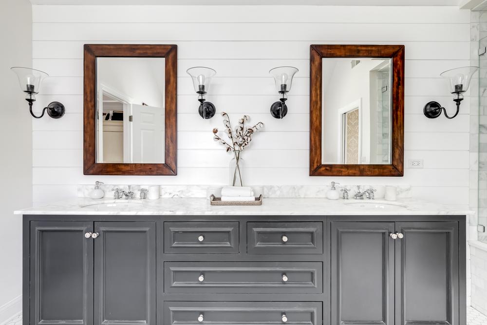 Elmhurst,,Il,,Usa,-,May,22,,2020:,A,Luxurious,Renovated