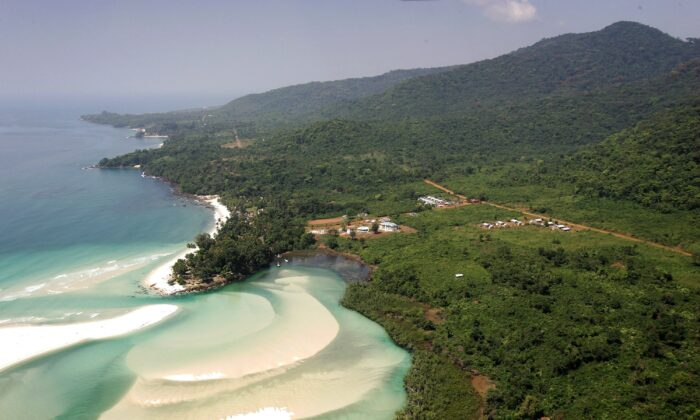 A general view of the countryside just outside Freetown, Sierra Leone, on Nov. 28, 2006. (Chris Jackson/Getty Images)