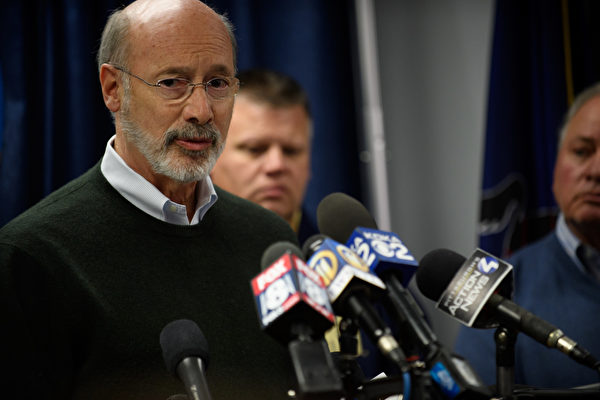 Pennsylvania Governor Tom Wolf speaks to the media in Pittsburgh, Penn., on Oct. 27, 2018. (Jeff Swensen/Getty Images)