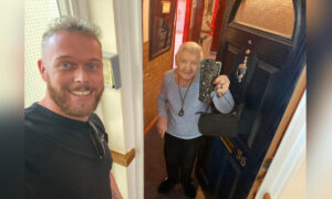 Man Finds Purse Filled With Money, Tracks Down Owner, Returns It to 93-Year-Old Disabled Woman