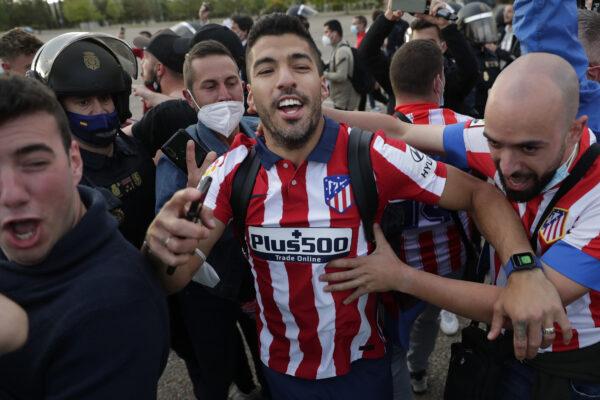 Atletico Madrid's Luis Suarez celebrates