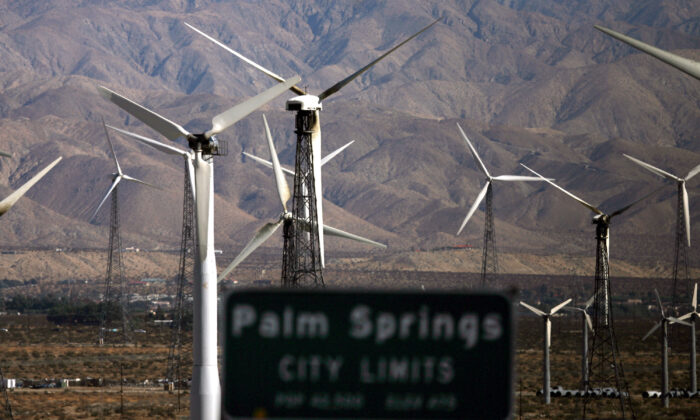 A windfarm is seen near Palm Springs, Calif., on Dec. 30, 2006. (Gabriel Bouys/AFP via Getty Images)