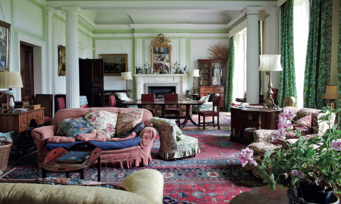 """English-style elegance, as featured in Ros Byam Shaw's latest book, """"Perfect English Style."""" (Jan Baldwin © Ryland Peters & Small)"""