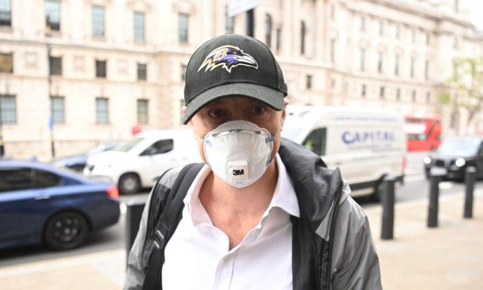 Former number 10 special adviser Dominic Cummings arrives at Portcullis House in London on May 26, 2021. (Daniel Leal-Olivas/AFP via Getty Images)