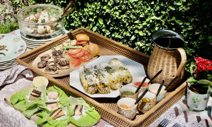 Setting up a buffet table outside is a wonderful way to spend the afternoon with friends. (Victoria de la Maza)