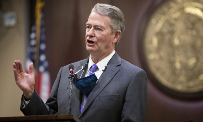 Idaho Gov. Brad Little gestures during a press conference at the Statehouse in Boise, Idaho, on Oct. 1, 2020. (Darin Oswald/Idaho Statesman via AP)