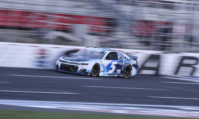 NASCAR Cup Series driver Kyle Larson drives in the NASCAR Cup Series auto race at Charlotte Motor Speedway in Concord, N.C., on May 30, 2021. (Nell Redmond/AP Photo)
