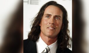 Ex-'Tarzan' Actor Among 7 Plane Crash Victims in Tennessee