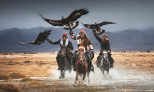 Photos: The Profound Bond Between Mongolia's Last Eagle Keepers and Their Mighty Birds