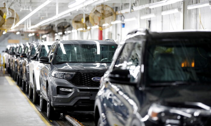 2020 Ford Explorer cars are seen at Ford's Chicago Assembly Plant in Chicago, Ill., on June 24, 2019. (Kamil Krzaczynski//Reuters)
