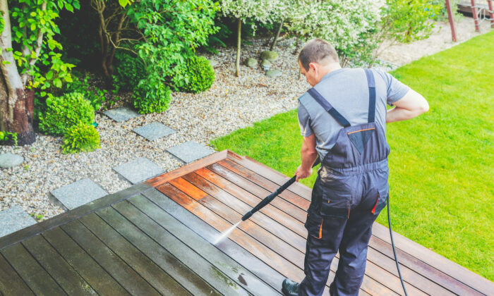 Before you hook up the hose, there are some precautions you should take. (iStockphoto)