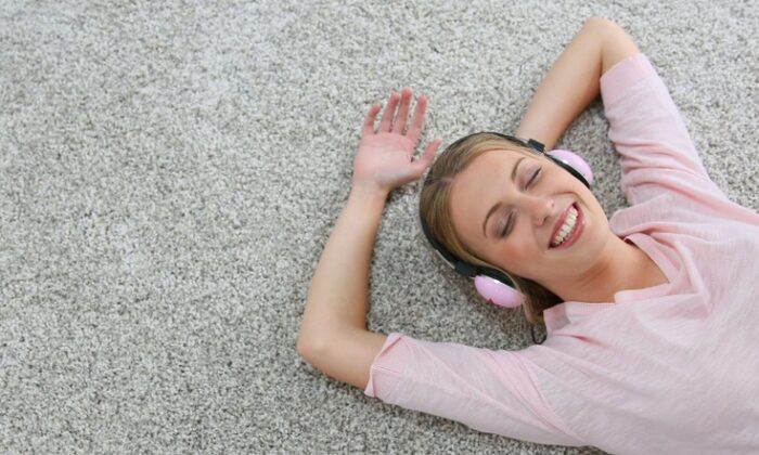 You are not alone if you have come to hate the carpet in your home, but it doesn't have to be that way. (goodluz/Shutterstock)