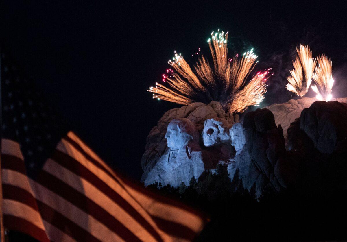 rushmore fireworks