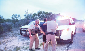 Smuggling Illegal Aliens Around Border Patrol Is Booming Business for Drivers