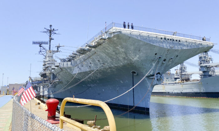 The USS Hornet is open for a Memorial Day tribute in Alameda, Calif., on May 31, 2021. (Ilene Eng/The Epoch Times)