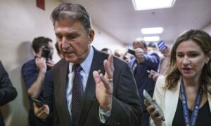 Sen. Joe Manchin Issues Response After 'Constructive' Meeting With Civil Rights Groups on Voting Law