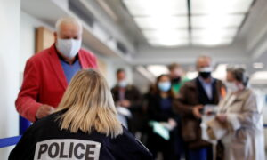 UK and US Travelers Must Be Vaccinated to Enter France: EU Affairs Minister