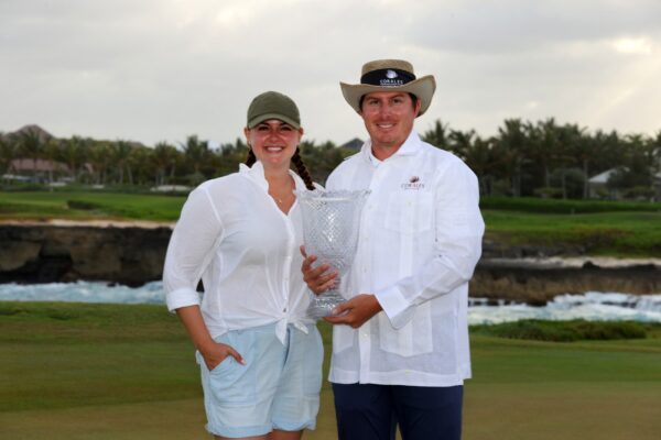 dahmen-and-wife-with-trophy