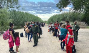Illegal Border Crossings Keep Climbing; 180,000 Apprehended in May