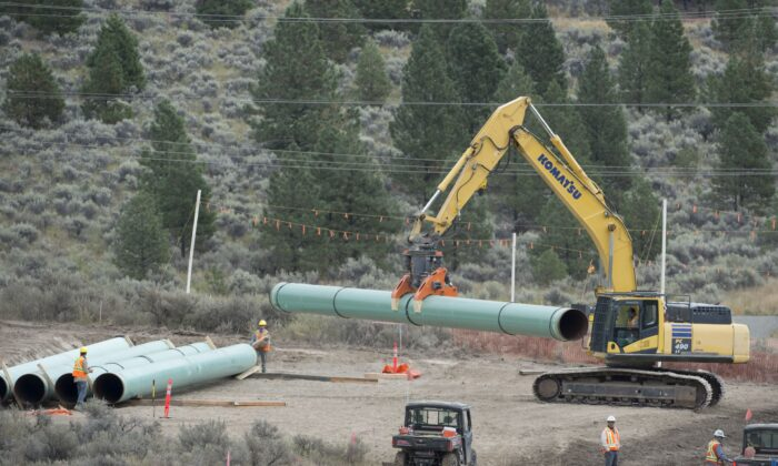 Construction of the Trans Mountain pipeline underway in Kamloops, B.C., on Sept. 1, 2020. (The Canadian Press/Jonathan Hayward)