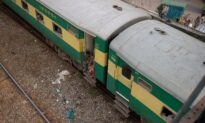 2 Trains Collide in Southern Pakistan, Killing More Than 30: Officials