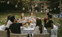 10 Secrets to Throwing an Unforgettable Summer Dinner Party