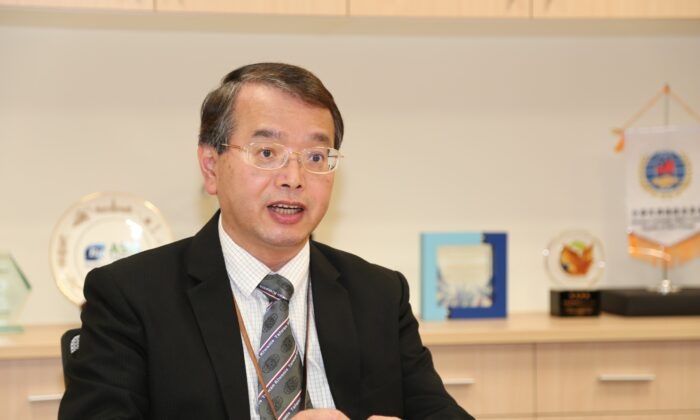 Wu Chung-hsiun, President of Taiwan's Development Center for Biotechnology and Director of the Biotechnology and Pharmaceutical Industries Promotion Office of Taiwan's Ministry of Economic Affairs. (The Epoch Times)