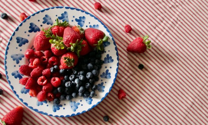 Strawberries, blueberries, and raspberries are coming into their peak season—but they won't be around for long. (Victoria de la Maza)