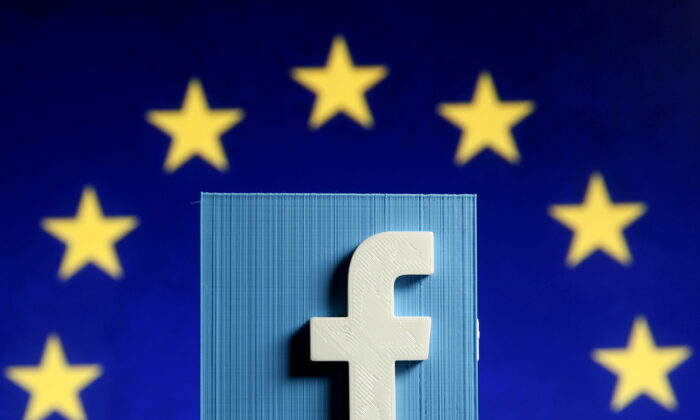 Facebook logo in 3D in front of the EU flag, on May 15, 2015.  (Dado Ruvic/Reuters)