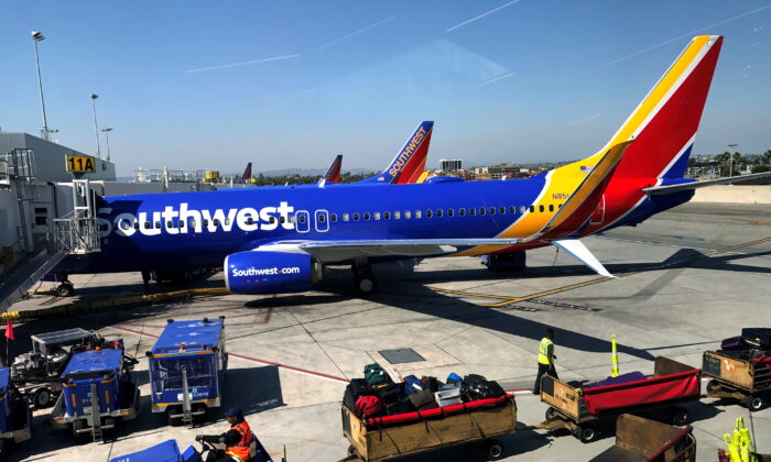 A Southwest Airlines Boeing 737-800 plane is seen at Los Angeles International Airport (LAX) in the Greater Los Angeles Area, Calif., on April 10, 2017. (Lucy Nicholson/Reuters)