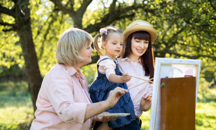 Surprisingly, for many homeschoolers, little time is actually spent at home. (Desizned/Shutterstock)