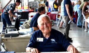98-Year-Old World War II Veteran Recalls 'Divine Intervention' Moment