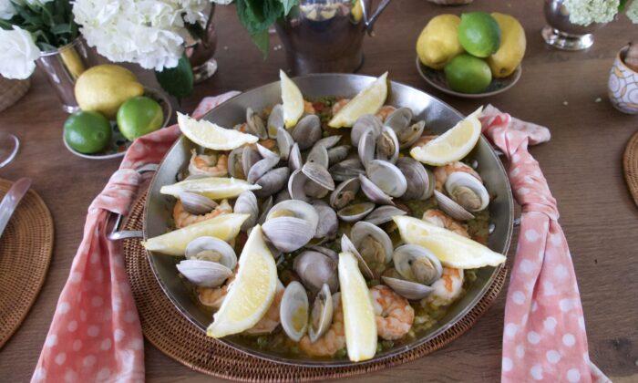 Paella is the perfect dish to feed a crowd. (Victoria de la Maza)