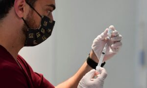 Largest Healthcare Union in US Will Fight Mandatory COVID-19 Vaccines