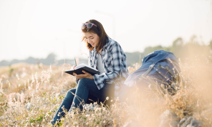 Journaling can help you see the connections between the big picture and the everyday. (AnemStyle/Shutterstock)