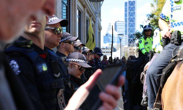 Western Australian police outside Parliament House in Perth, Australia on May 3, 2021. (Paul-Alain Hunt/Unsplash)