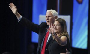 Audience Members Call Former Vice President Pence 'Traitor' at Conservative Conference