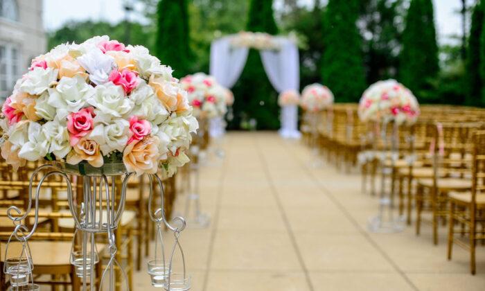 An outdoor wedding setup in a stock photo. (Pexel/Pixabay)