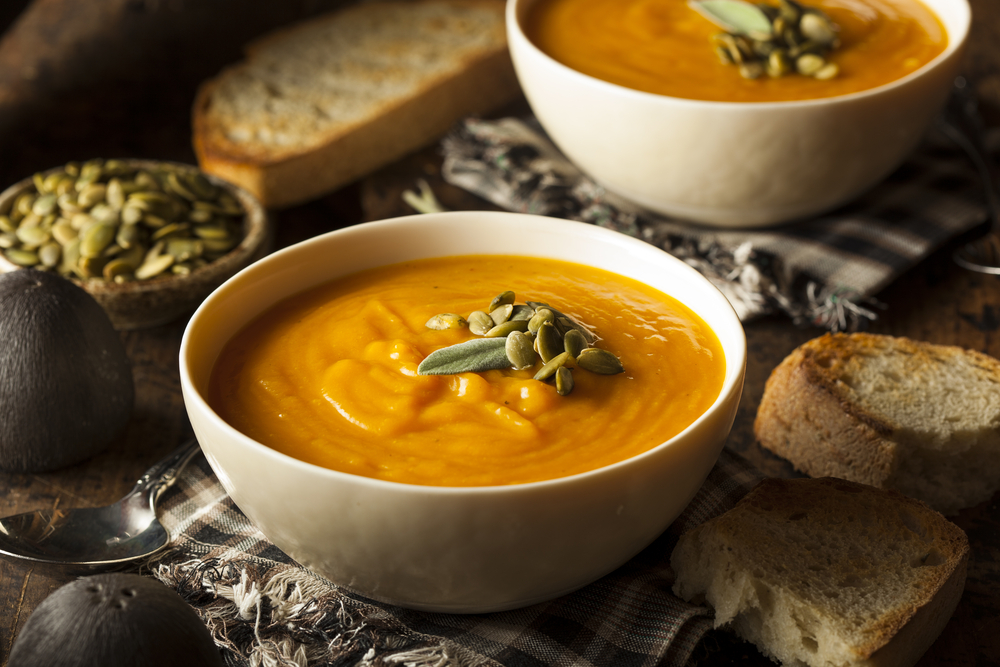 Homemade,Autumn,Butternut,Squash,Soup,With,Bread